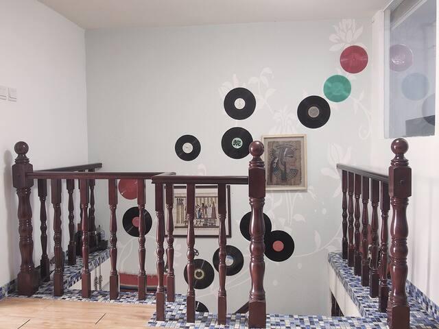 复古音乐复式loft 天津市中心鼓楼旁 110平米 - 天津市 - Apartament