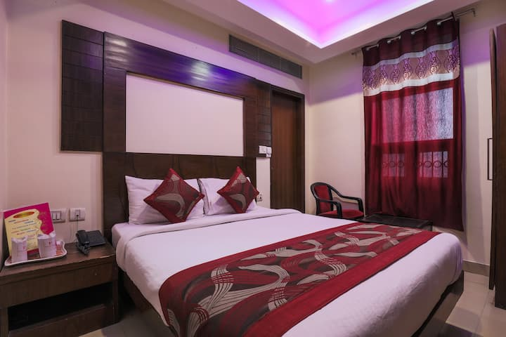 Budget hotel for solo traveler near NDLS railway