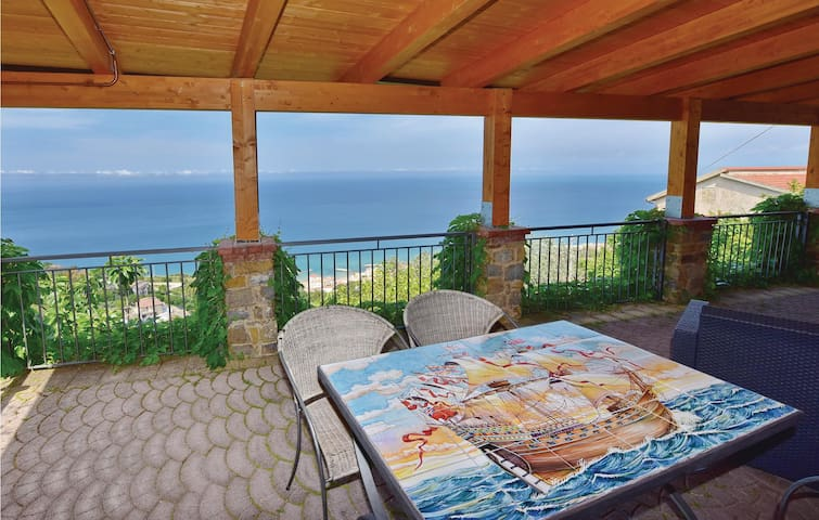 Holiday cottage with 3 bedrooms on 160 m² in Castellabate SA