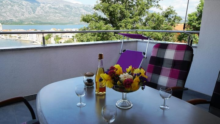 Apt Diana Vinjerac- Two bedroom apartment with best sea view balcony
