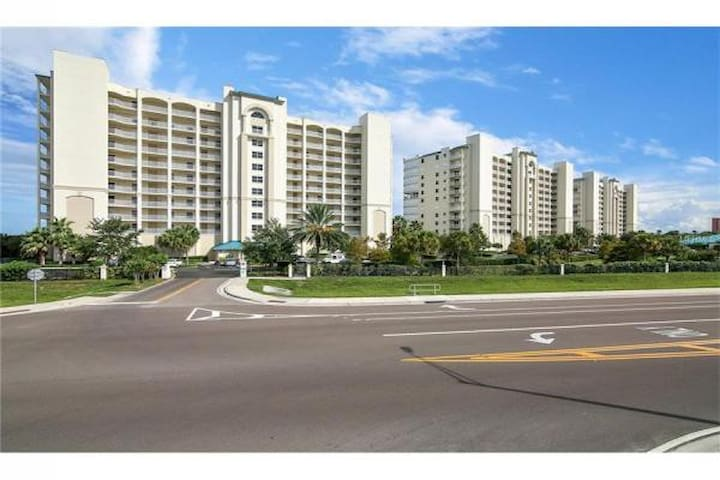 Corner Condo with a Great View - Titusville