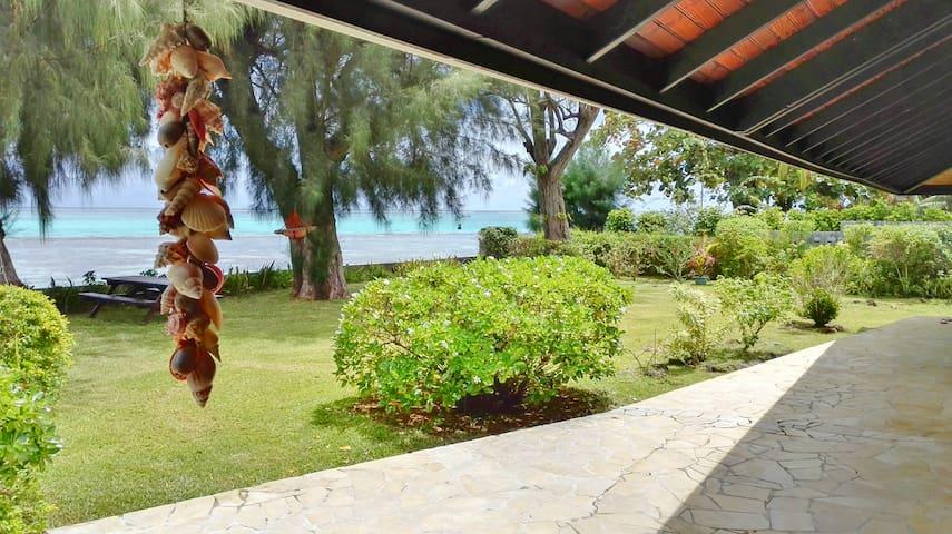 Holiday Villa Lagoon front MOOREA French Polynesia - Maharepa