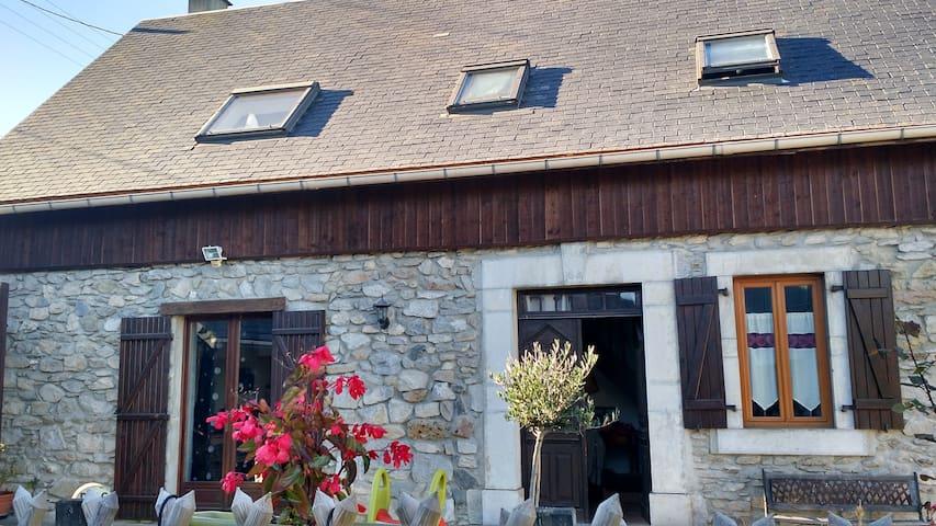 Maison de Charme tout confort dans les Pyrénées - Avezac-Prat-Lahitte - Casa