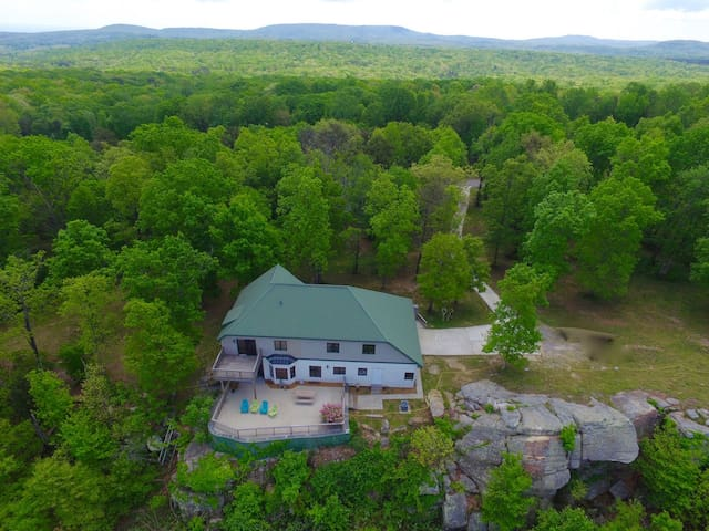 Cloud 9, On the Bluff of Lookout Mtn, Sleeps 10 - Lookout Mountain - Hus