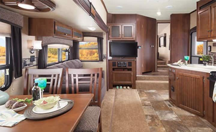 2014 Jayco Eagle HT 5th Wheel to rent