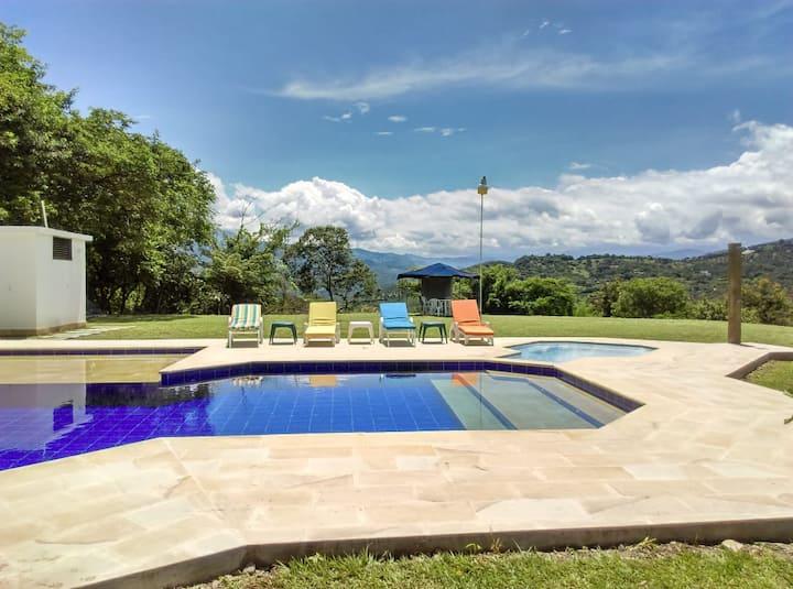 Cómoda casa familiar en Anapoima