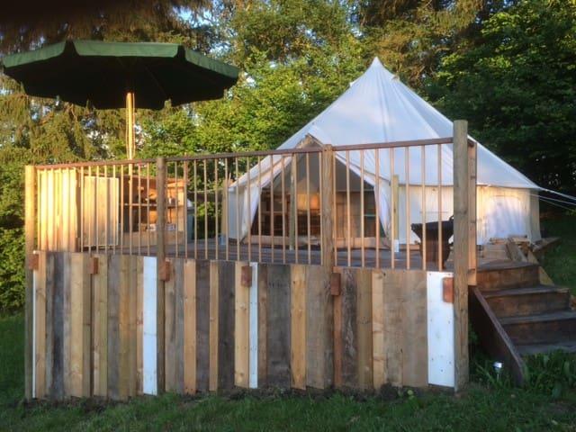 Bell-tent op unieke locatie in de Creuse