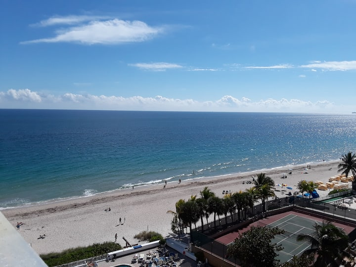 PRIVATE BEACH, DIRECT OCEAN VIEWS, FORT LAUDERDALE