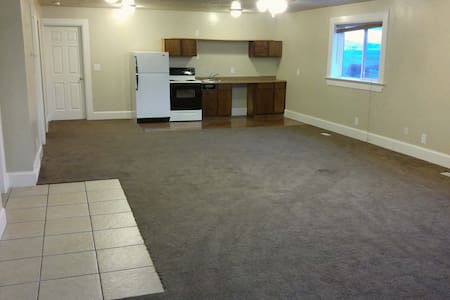 Huge Studio type room - North Logan