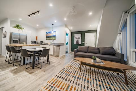 MODERN APARTMENT NEAR DOWNTOWN AND NATIONAL PARK