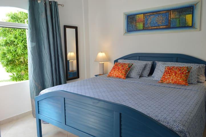 Royal Palms Apartment - Bedroom