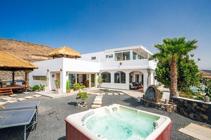 Villa Palacio & Yurt, private location, near beach