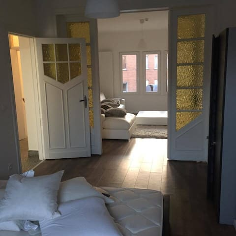 1-bedroom sunny apartment near the station - Gent - Apartemen