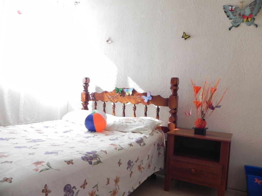 Butterfly Room-Bedroom1
