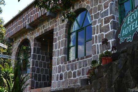 Eco Hotel Uxlabil - paz y tranquilidad - Lakás