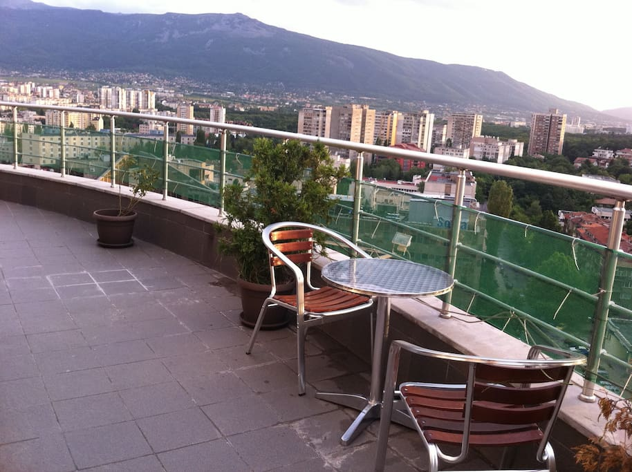 The terrace with the spectacular view.