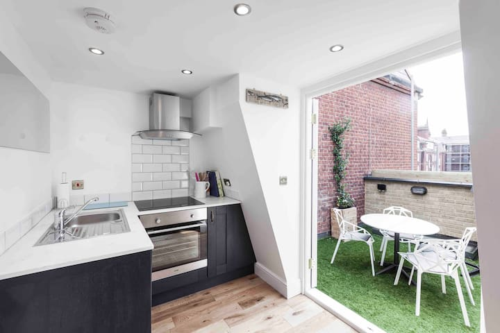 6 Bedrooms close to Westminster Abbey