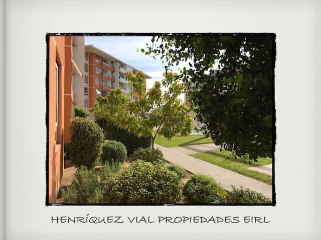 Henríquez Vial Propiedades en Parque Puerta delMar