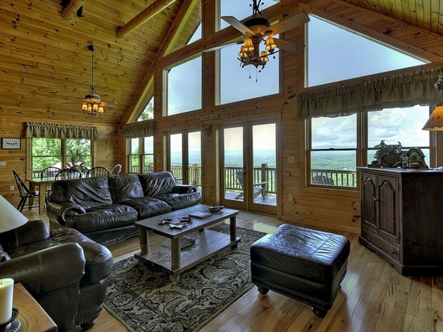 Bearly Roughing It - Entry Level Living Area