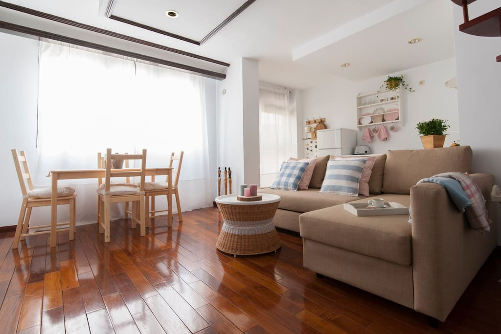 Lovely two floor apartment city centre wifi apartments for Two floor apartment