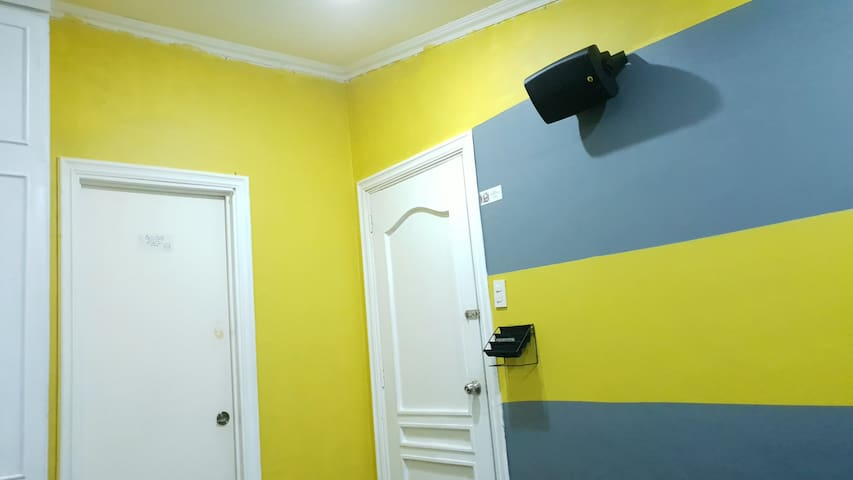 COOL & AFFORDABLE room near ABSCBN  quezon city