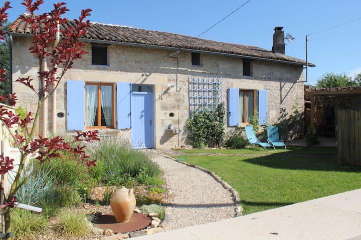 Sans Souci cottage - Pliboux - Blockhütte