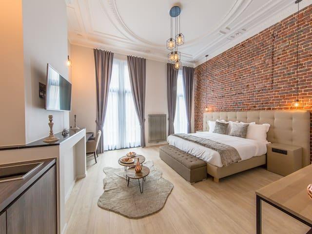 Secret Suites Brussels Royal 01