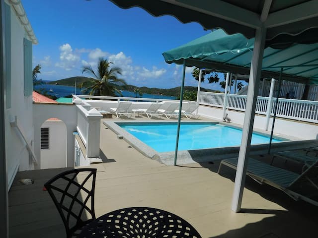 At Home in the Tropics, Bed and Breakfast - Charlotte Amalie - Bed & Breakfast