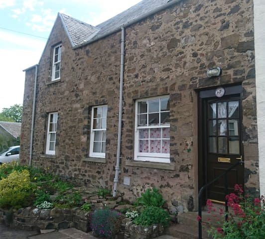 Morebattle , Kelso - Rambler Cottage - Holiday let