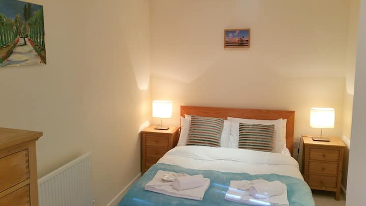 2 Bedrooms♥Smart TV♥Free Wi-Fi♥Parking on premises