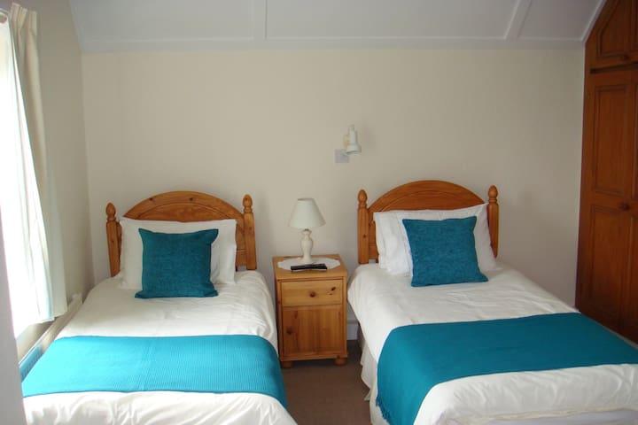 Twin en suite Room - Bed and Breakfast