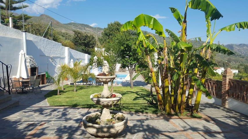 Las Palmeras - ออร์จิวา - บ้าน