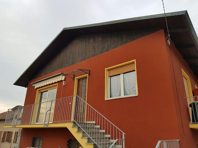 Casa Paola, a pochi minuti da Alba o Asti - Priocca - Casa