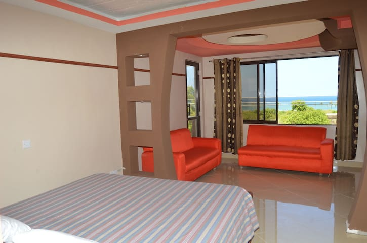 Clean,comfortable beds,inexpensive - Diani Beach - Appartement
