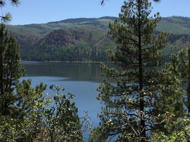 Lake/Mountains/Trees - Cedar Cabin