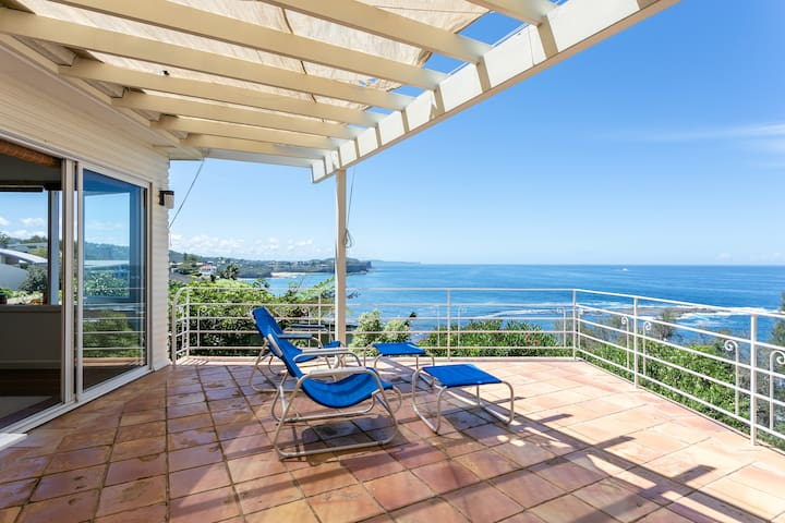 Bungan Head Cliff Top Beach House