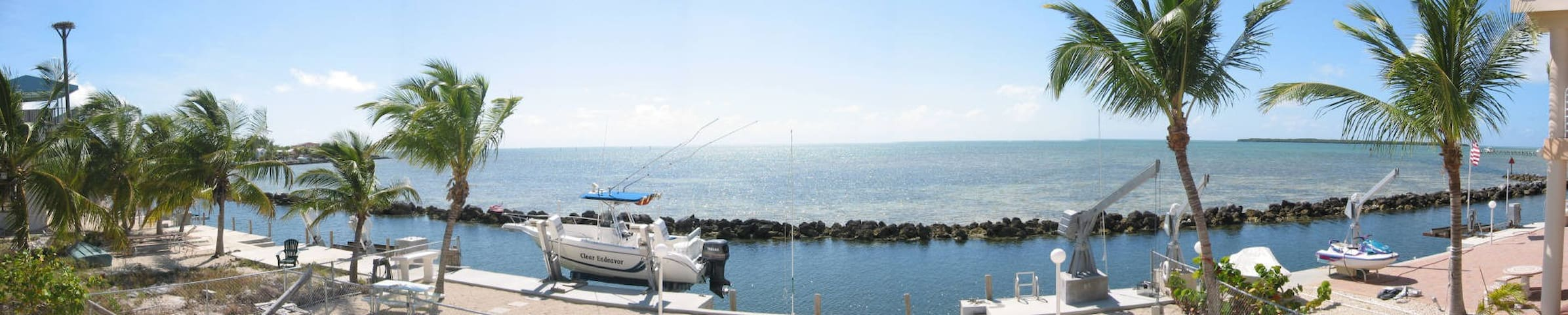 Island Gazer: 180 Degree Ocean and Island Views!