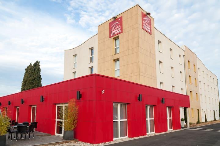 HOTEL CLERMONT ESTAING au cœur de Clermont-Ferrand