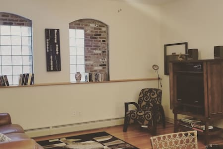 ◈Downtown Flat◈ Two Bedroom in the ❤ of Downtown