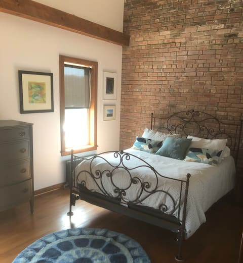 Catskill Canal House Private Apartment/Water view