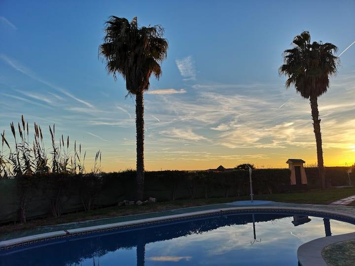 Espectacular residencial en 1ª linea con piscina