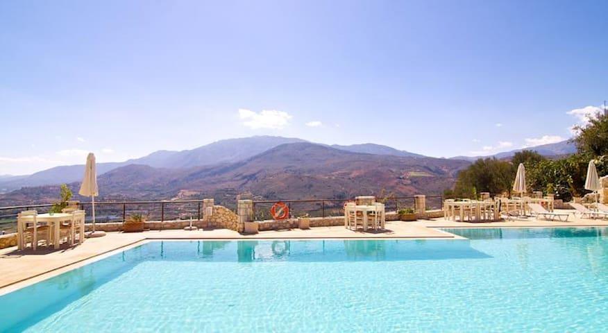 2 pièces Crète avec piscine en résidence - Vue Mer