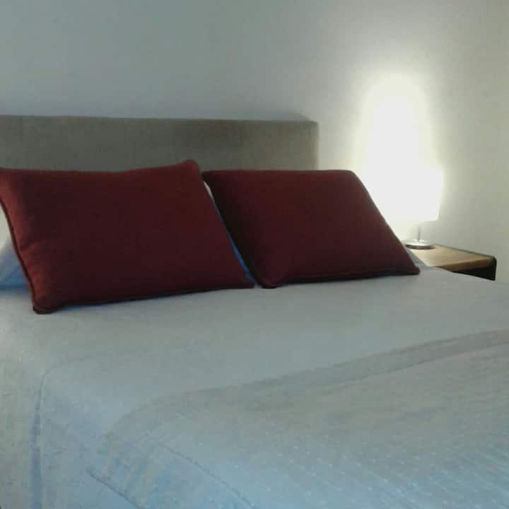 Dormitorio en suite, comuna de Ñuñoa