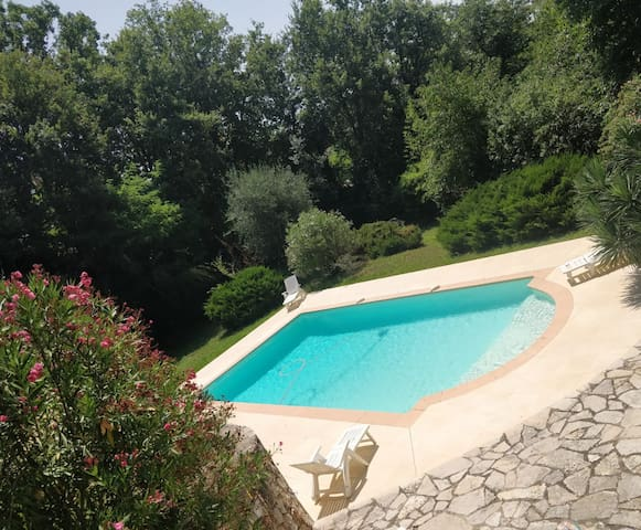 """""""Mas Provencal"""" with a swimming pool and garden :)"""