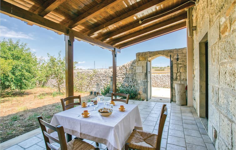 Semi-Detached with 3 bedrooms on 120m² in Ragusa -RG-