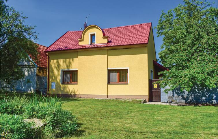 Holiday cottage with 1 bedroom on 91m² in Zehyn