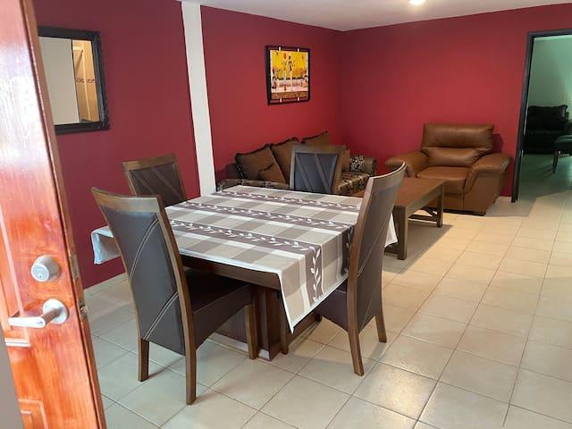 Casa familiar en Col. Hermosa Provincia