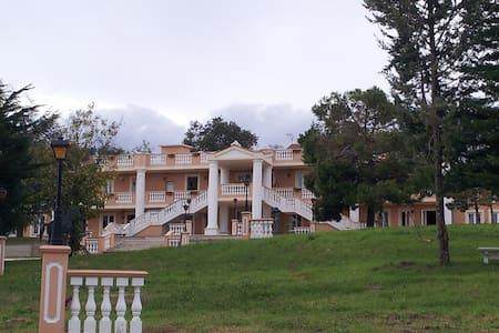 Appartamento vacanza in villa, adatto a famiglie - Rapagnano - Apartmen