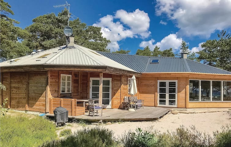 Holiday cottage with 3 bedrooms on 60m² in Nexø