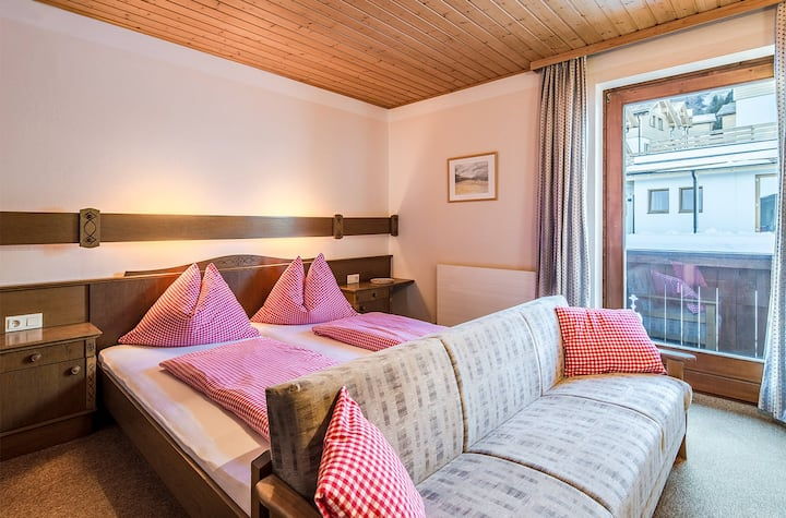 Ski in/Ski out  triple room+ Plus with breakfast